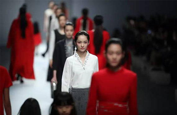 2017深圳时装周,时代国际美妆学院提供化妆造型